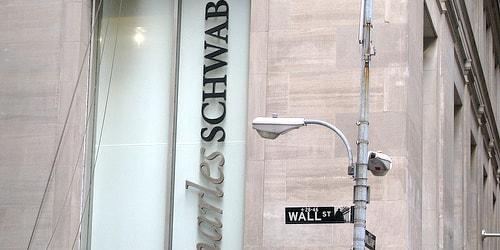 The Schwab Amex Platinum Let's You Cash Out Your Points for 1.25 Cents Apiece